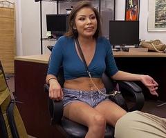Navajo Girl Samantha Parker Tries to Pawn Her Boyfriend'_s Gun (xp15506)